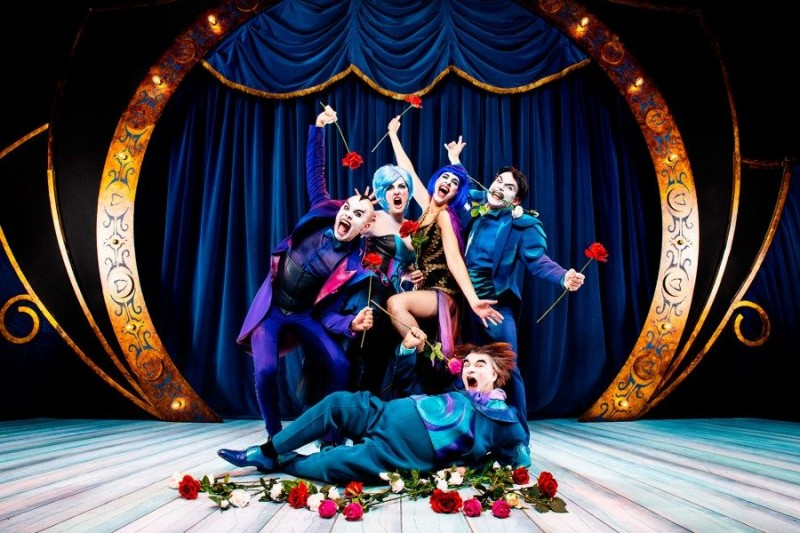The Opera Locos. Producciones Yllana