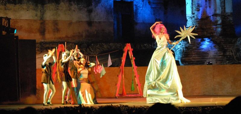 LA CENICIENTA. Dirección y coreografía: María Carrasco ( DANZA)